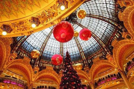Busreise Nach Paris Mit Weihnachtsmarkt In Strassburg